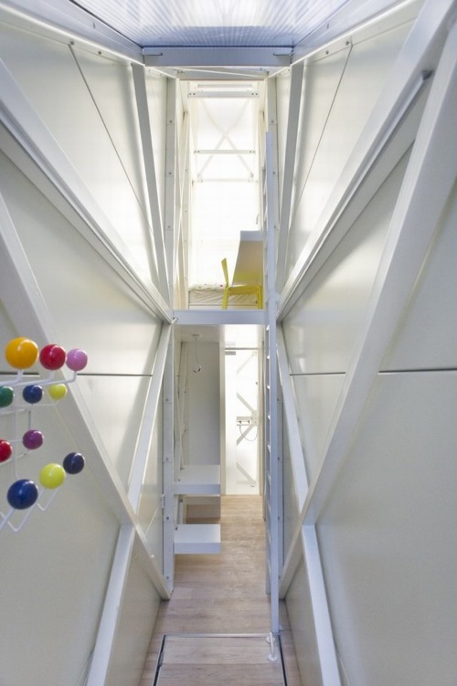 The Keret House 6