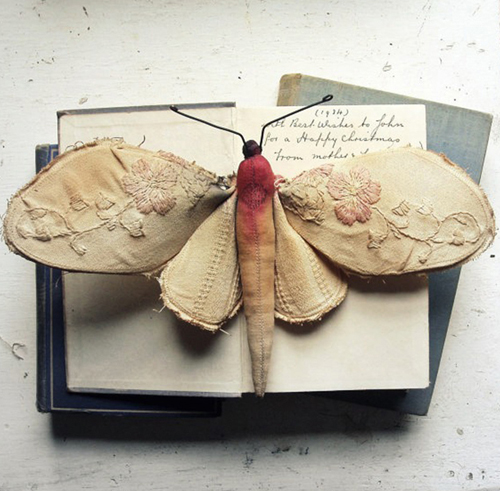 Pink flower Moth1